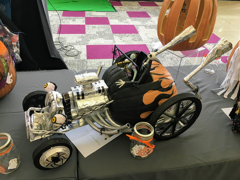 Halloween decorated pumpkin car contest