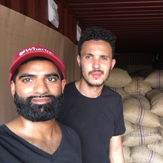 Raw Cashew Nuts in 40ft Containers - KDHI