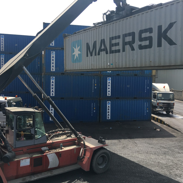 Sending Raw Cashew Nut Containers for Shipment at the Port - KDHI