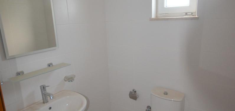 Bathroom One, Ground Floor