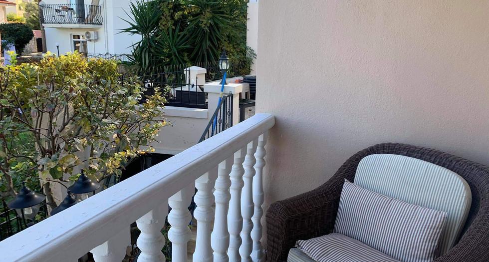 Rear Lounge Balcony