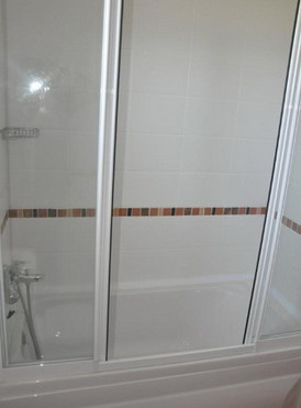 11a. second bathroom_resize.jpg