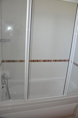 11a. second bathroom_resize.jpg