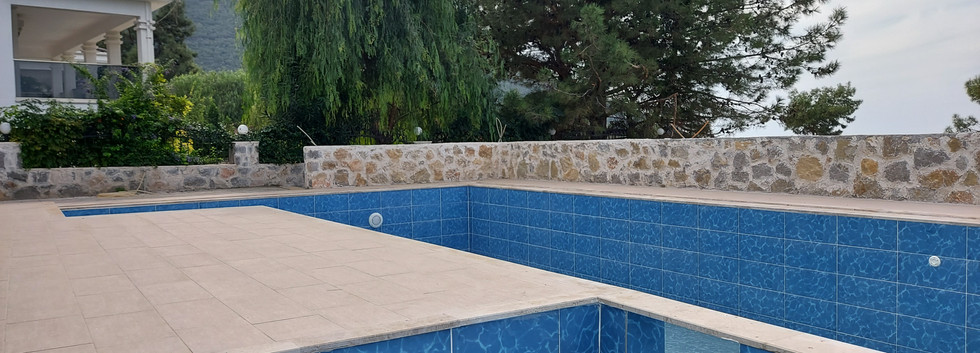 Pool with Kids Pool