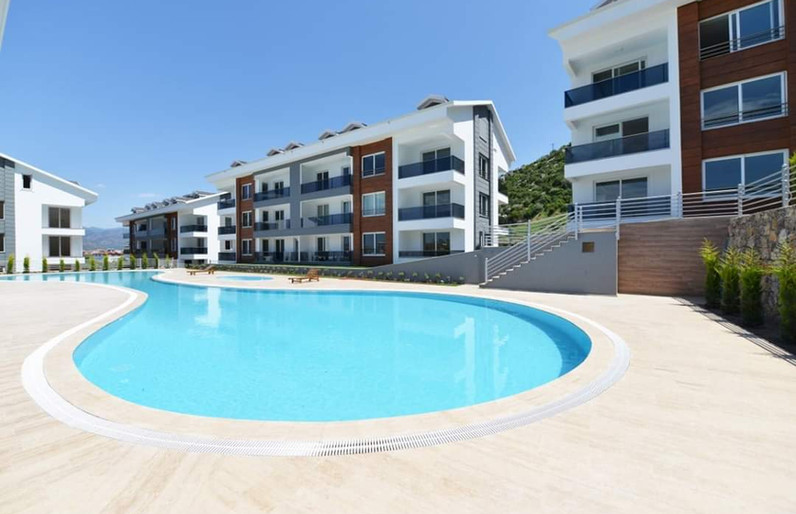 Communal Pool/The Complex