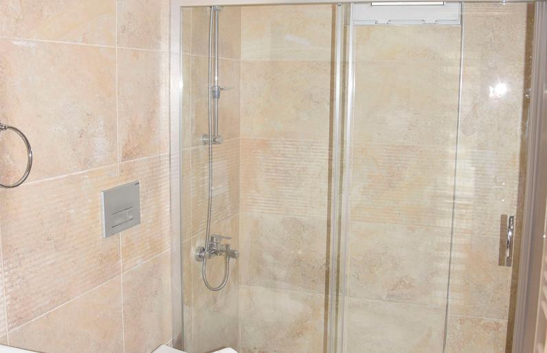Family Bathroom, First Floor