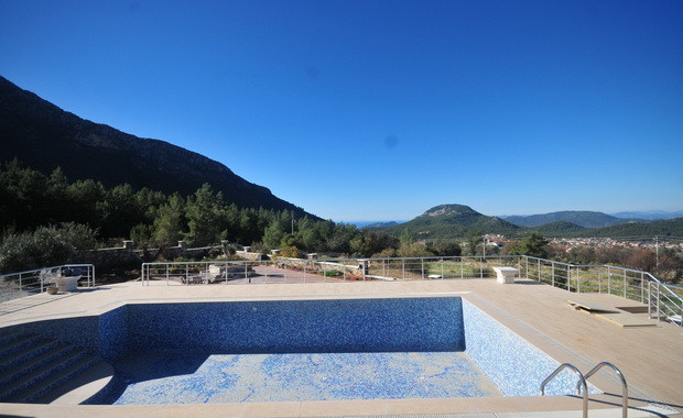 5. empty swimming pool_resize.JPG
