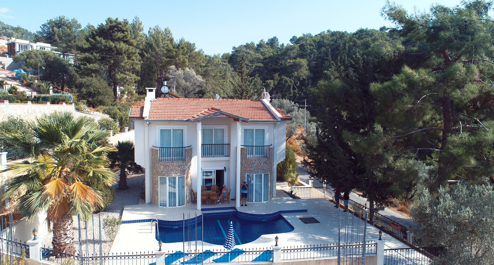 Detached Resale Villa