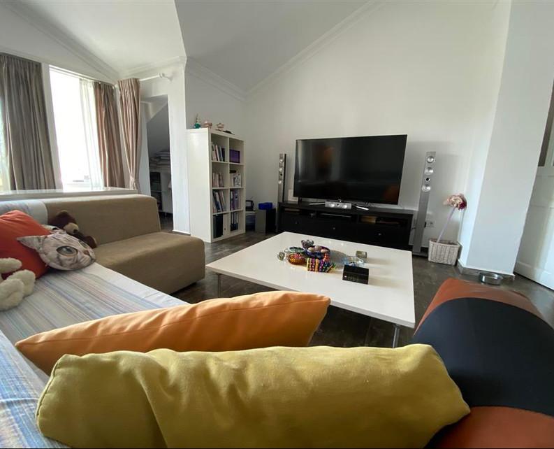 Master Bedroom, Lounge Area