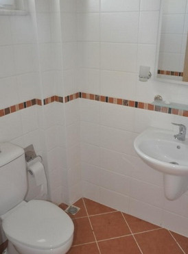 11. example second bathroom_resize.jpg