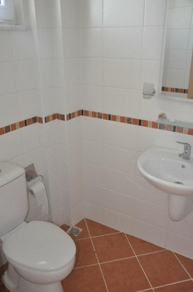 11. example second bathroom_resize.jpg