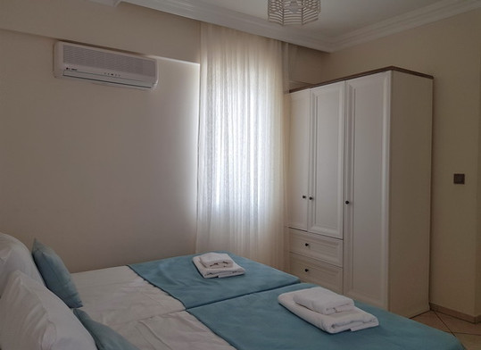 16a. bedroom three.jpgjpg_resize.jpg