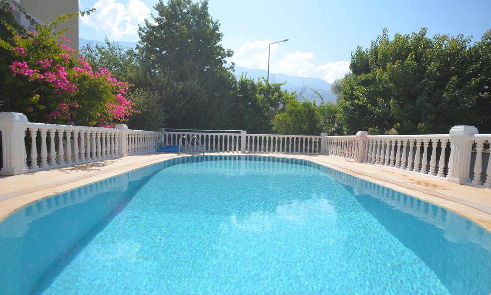 Pool is split level