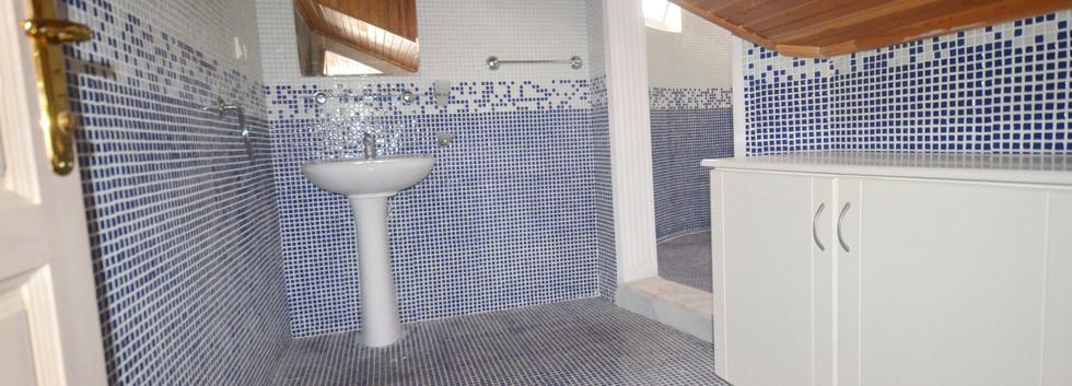 Bathroom Two (En-Suite)