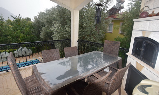 3. bbq terrace off lounge and dining are