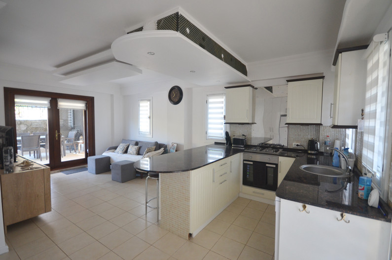 Kitchen and Open Plan Lounge