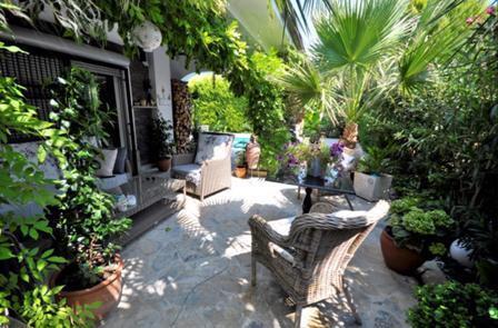 Beautiful Oasis of Gardens