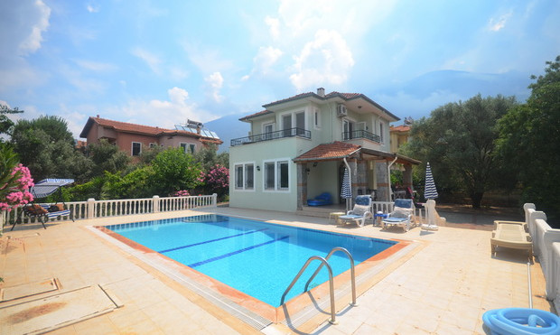 Spacious Resale Villa