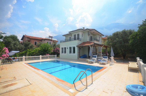 Spacious Resale Villa