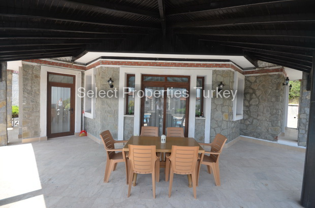 5a. dining terrace_resize