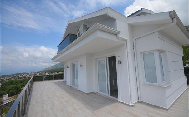 Large Balcony Terraces