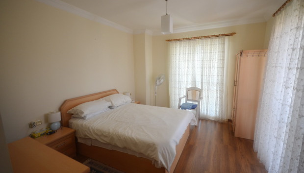 11. bedroom one with ensuite_resize.JPG