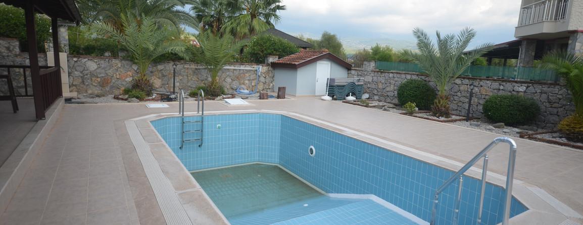 Private Split Level Pool