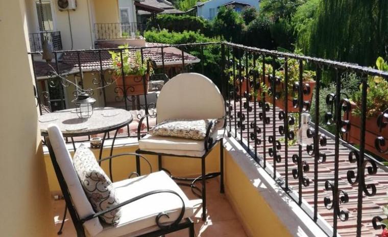 balcony 2.jpeg