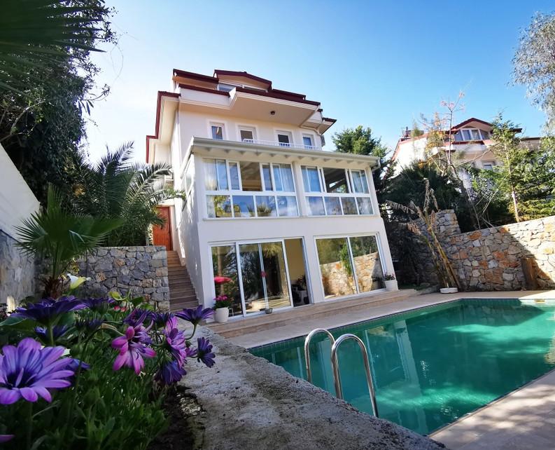 5 Bed Villa, 4 Storeys