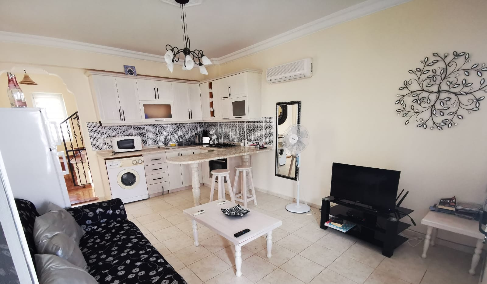Living Area, Air-Conditioned