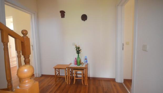 10. first floor hallway_resize.JPG