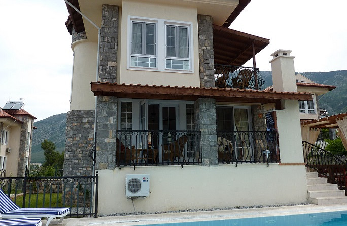 4 Storey Villa
