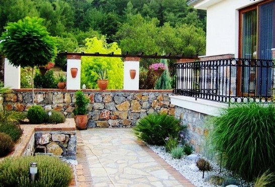 4. beautiful gardens_resize.jpg