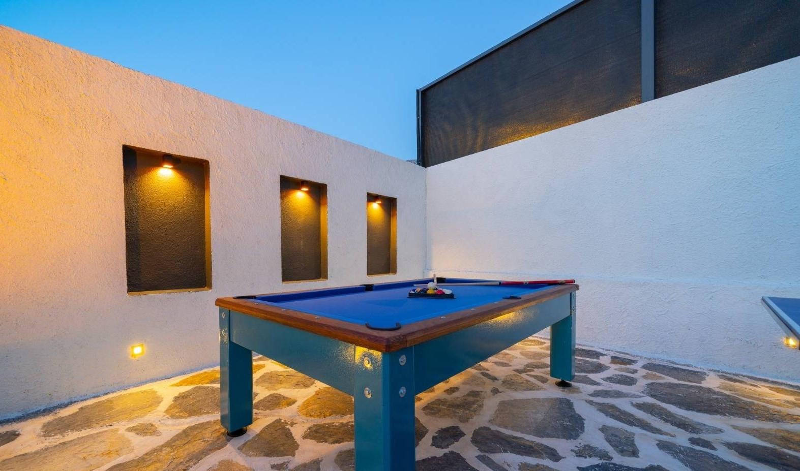 Pool & Table Tennis to Entertain