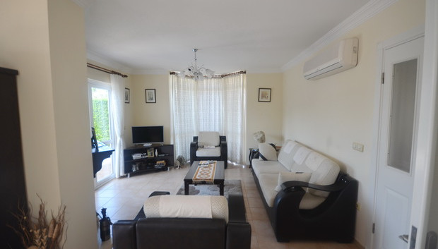6. airconditioned lounge_resize.JPG
