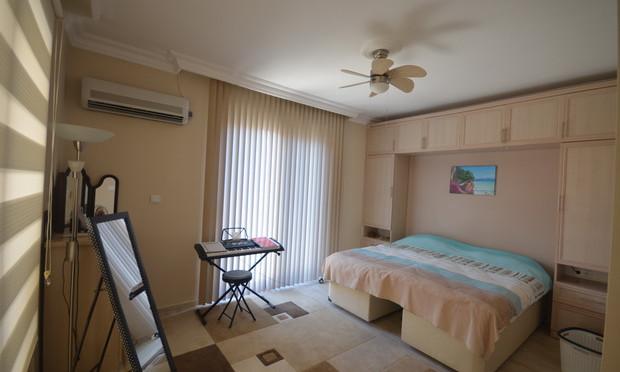 17c. bedroom two_resize.JPG