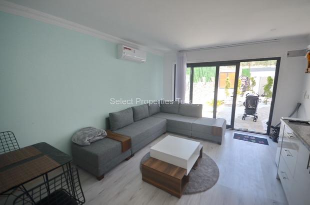 37. Annex Lounge