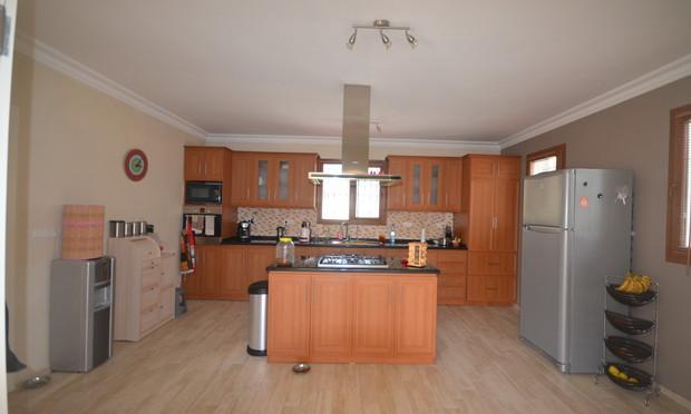 12a. kitchen_resize.JPG