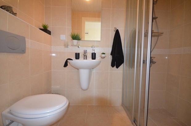 7. bathroom one_resize