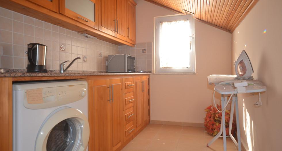 16.  kitchenette in bedroom three.JPG
