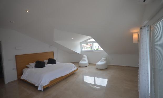 Master Bedroom, Fourth Floor