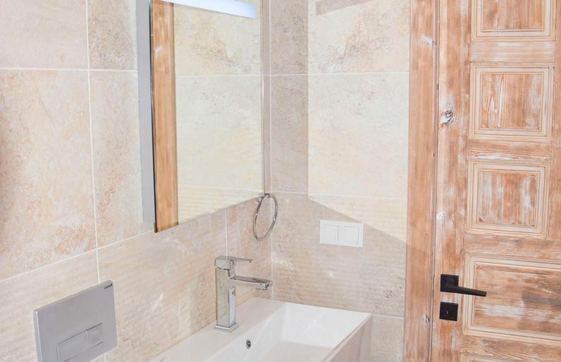 EnSuite Bathroom, Reclaimed Doors