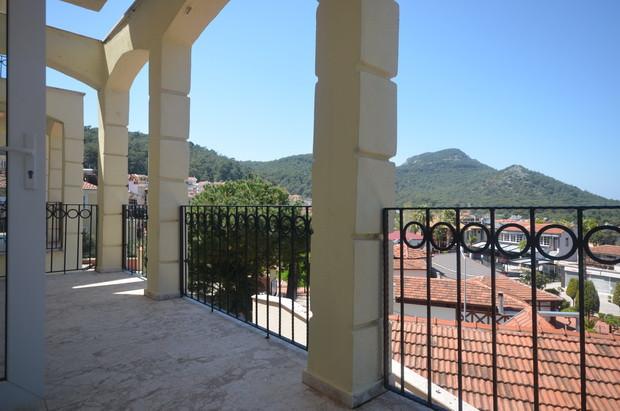 8. lounge balcony_resize.JPG
