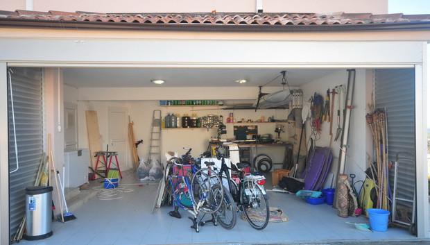 27. garage_resize.JPG