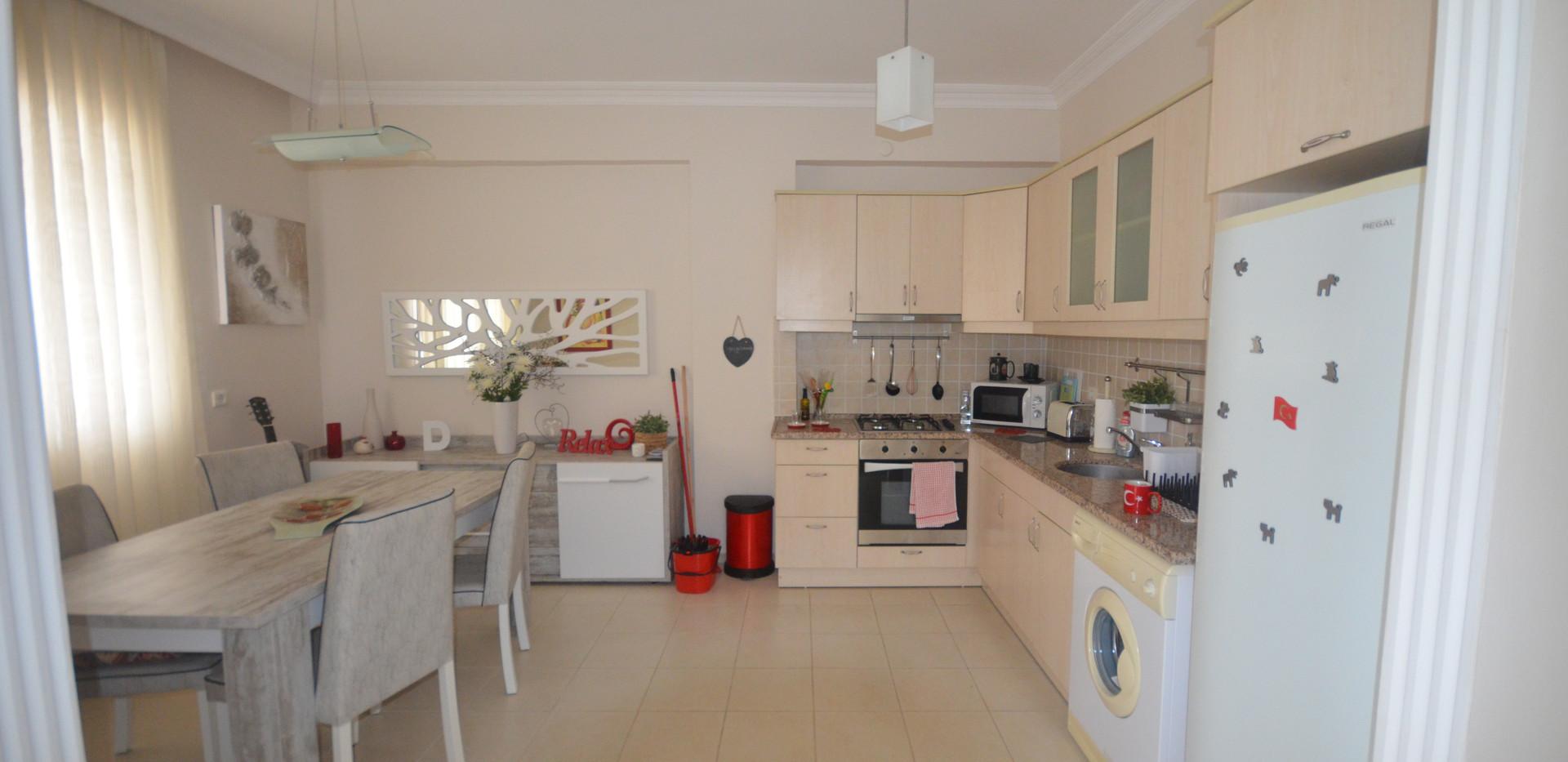 10. lounge kitchen_resize