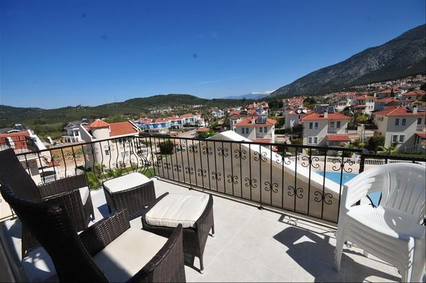 Upper Balcony Terrace