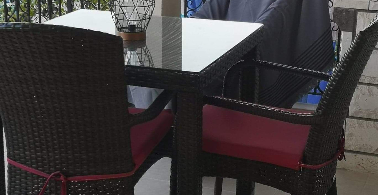 Lounge Balcony with BBQ