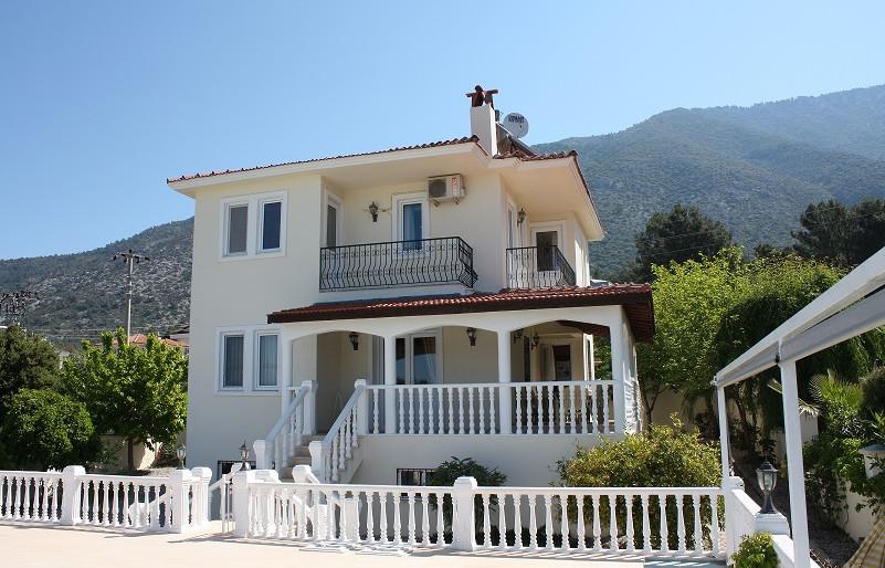Lovely 6 Bedroom Villa
