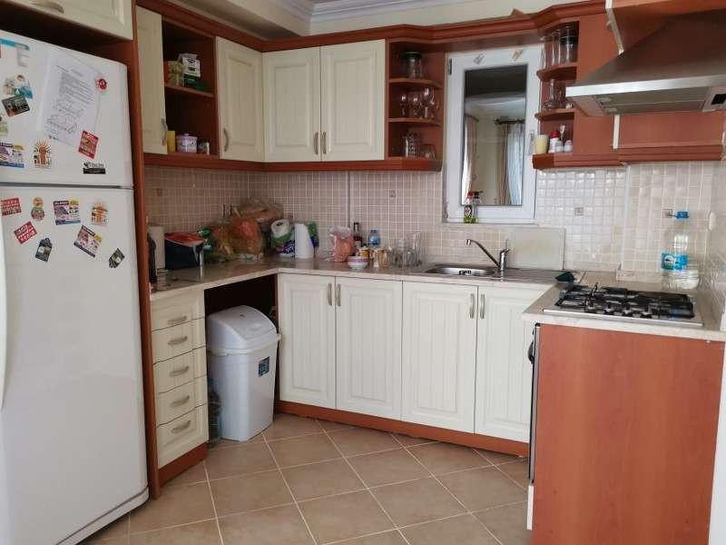 6. kitchen.jpg
