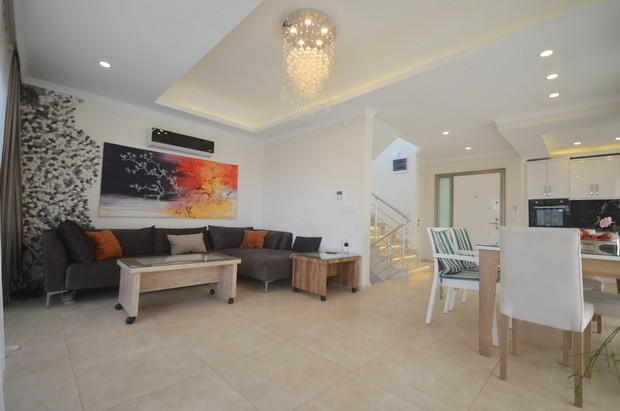 Lounge and Dining Area
